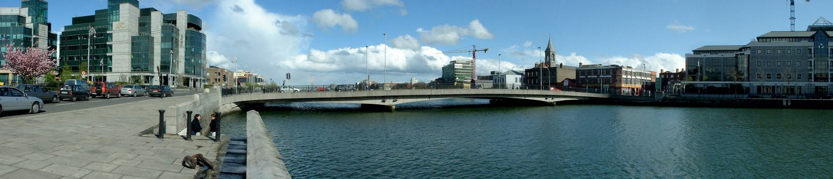 photo by fjp, ifsc, docklands, river liffey, dublin